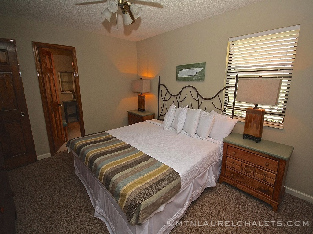Greenbrier a 6 bedroom cabin in gatlinburg tennessee for 10 bedroom cabins in tennessee