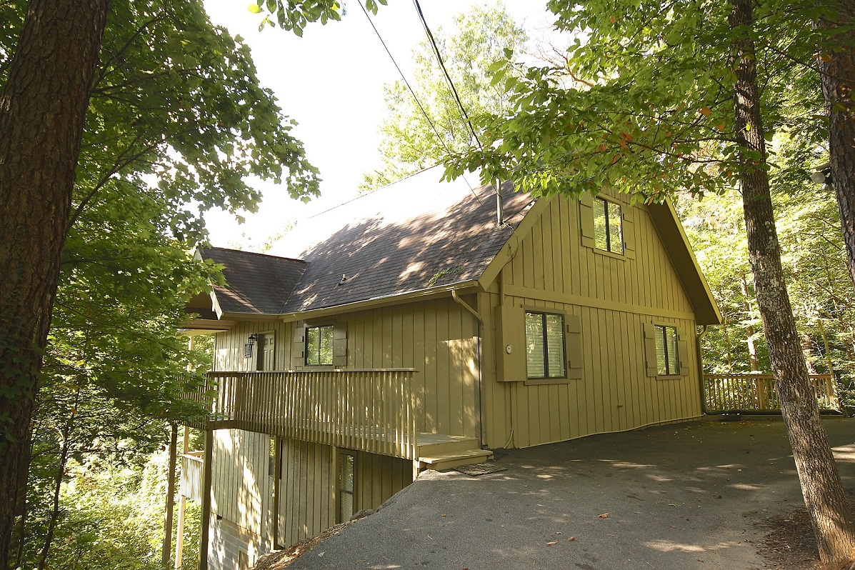 Sugar plum tree a 5 bedroom cabin in gatlinburg for Tennessee cabins gatlinburg