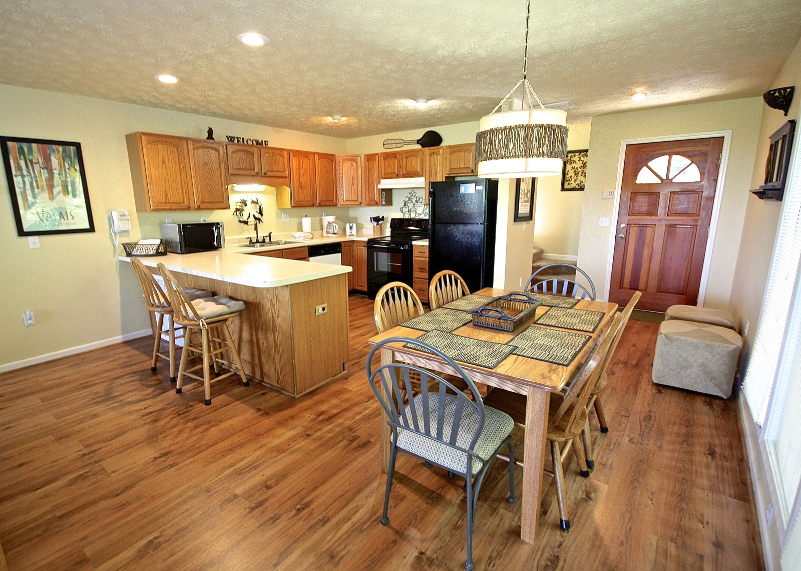 Squirrel hill a 4 bedroom cabin in gatlinburg tennessee - 4 bedroom cabins in gatlinburg tn ...