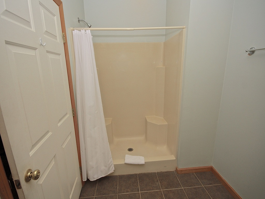 Shower stall with seat-Original
