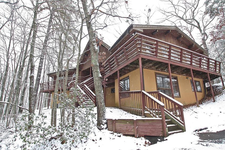 7 to 12 bedroom cabin rentals in gatlinburg tn mtn for 1 bedroom pet friendly cabins in gatlinburg tn