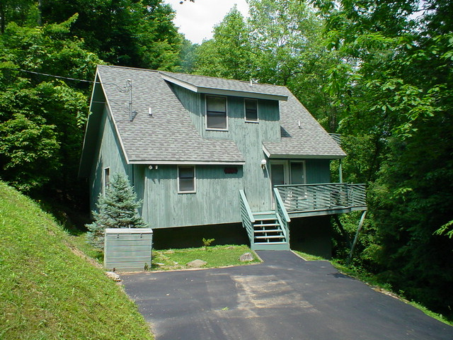 Hemlock Haven - 2 bedroom cabin in gatlinburg tn from mountain laurel chalets