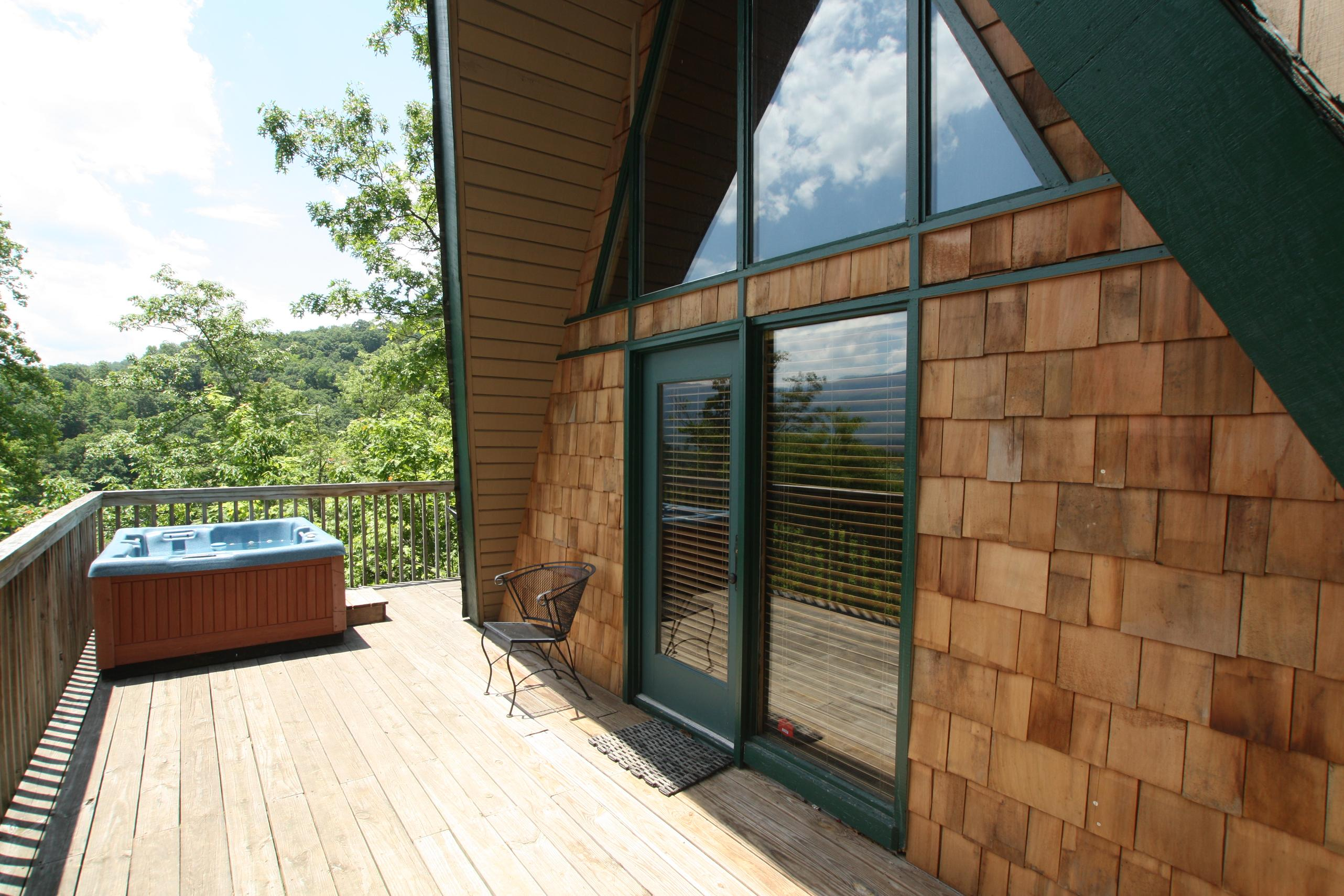Pinetop a 1 bedroom cabin in Gatlinburg Tennessee