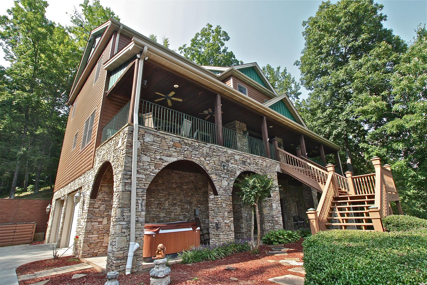 Shenandoah Lodge A 5 Bedroom Cabin In Gatlinburg Tennessee Mountain Laurel Chalets