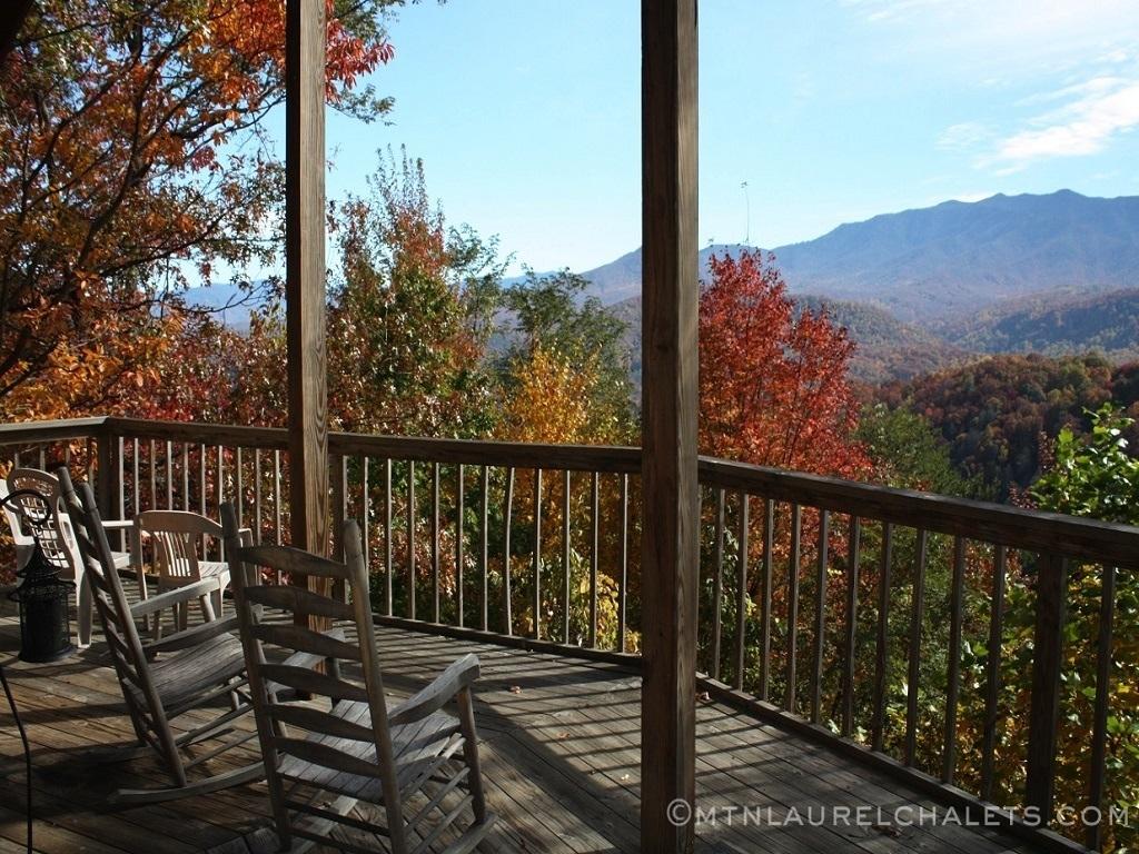 Smokies Overlook A 6 Bedroom Cabin In Gatlinburg Tennessee Mountain Laurel Chalets
