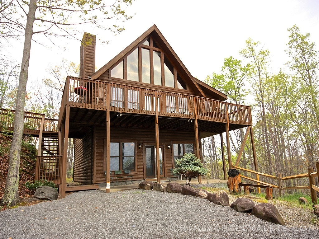 Morningside A 4 Bedroom Cabin In Gatlinburg Tennessee Mountain Laurel Chalets Gatlinburg