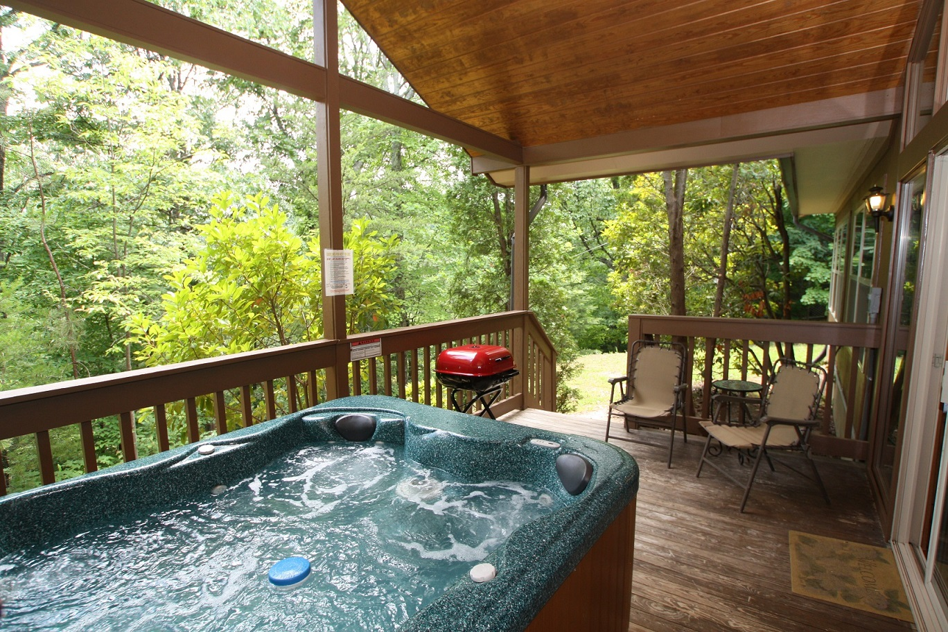 little bear a 1 bedroom cabin in gatlinburg tennessee