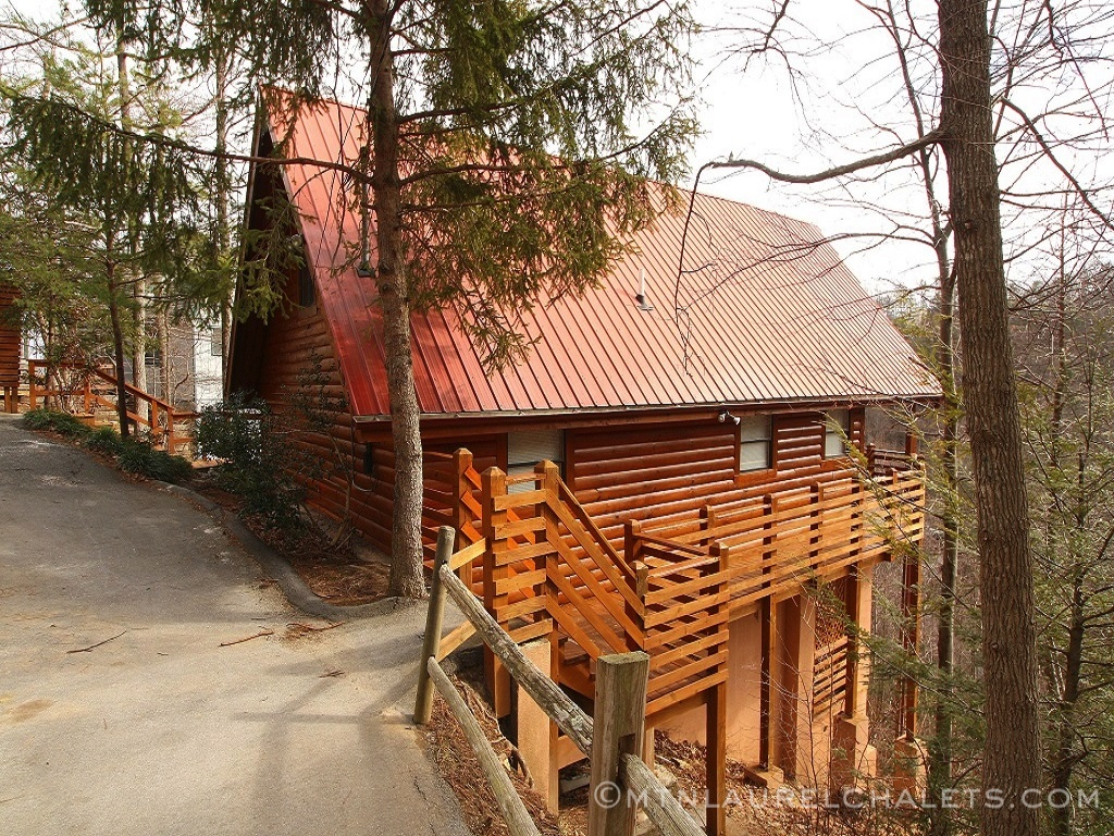 Above Laurelwood A 2 Bedroom Cabin In Gatlinburg