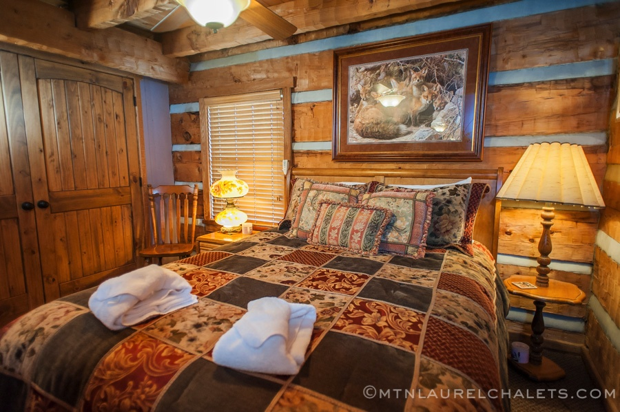 Cedar Pointe A 5 Bedroom Cabin In Gatlinburg Tennessee Mountain Laurel Chalets Gatlinburg