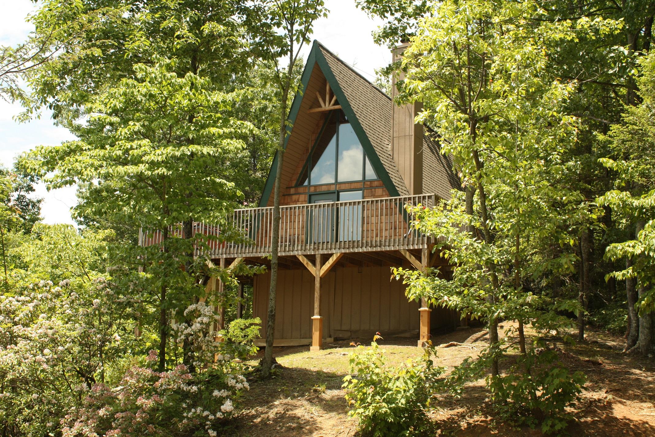 Pinetop A 1 Bedroom Cabin In Gatlinburg Tennessee Mountain Laurel Chalets Gatlinburg Cabin
