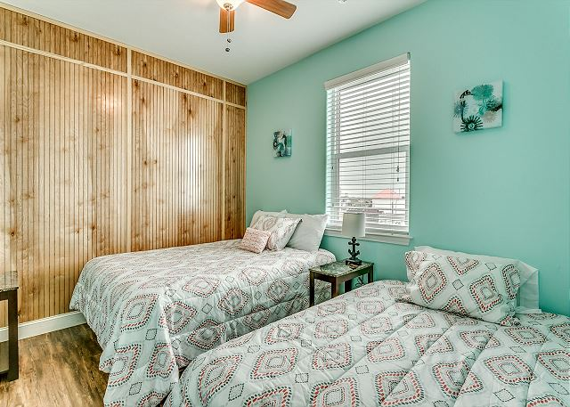 1 queen size bed  1 full size bed  private bathroom