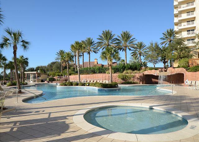 Jacuzzi and Lagoon Pool