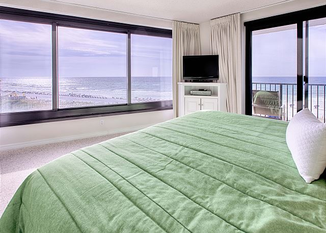 Master Bedroom With Entertainment