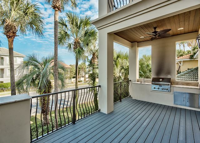 Second Floor Patio with Gas Grill!