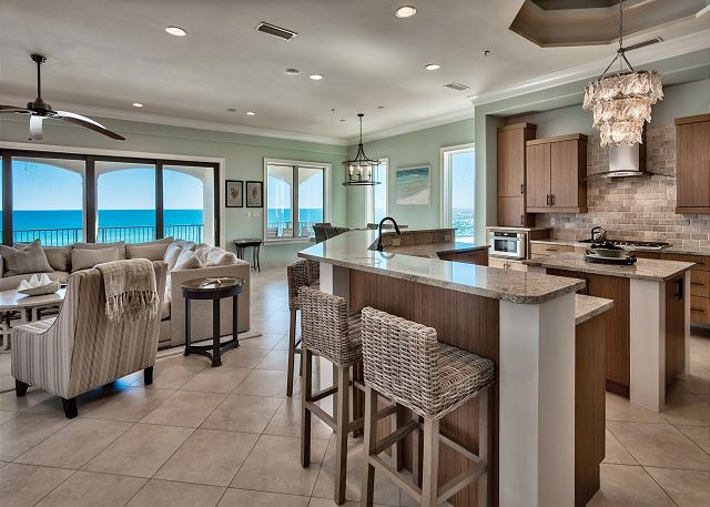 Third Floor Living and Kitchen!