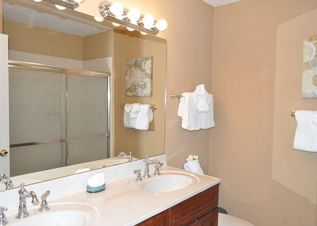 Master bathroom - double vanities and walk in shower