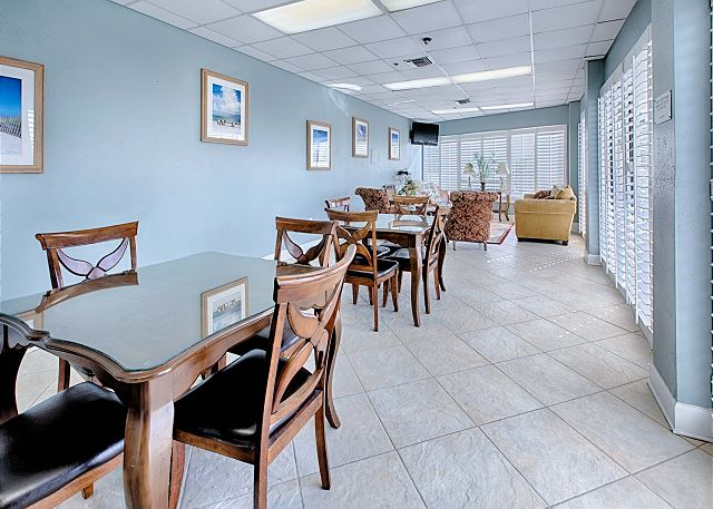 Large Dining/Meeting Area