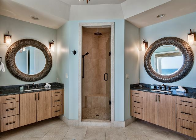Master Bathroom with Shower and Tub!
