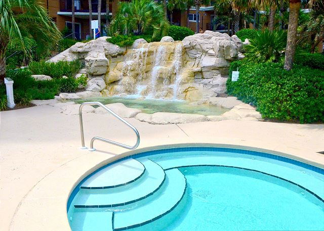 Fountain & Pool