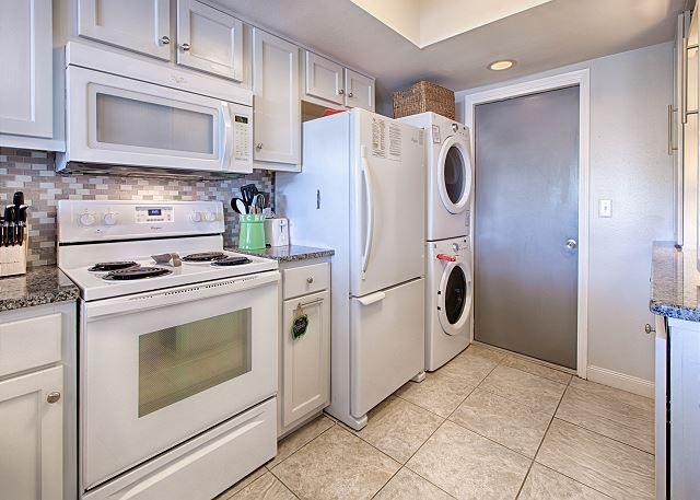 Kitchen/Laundry Area