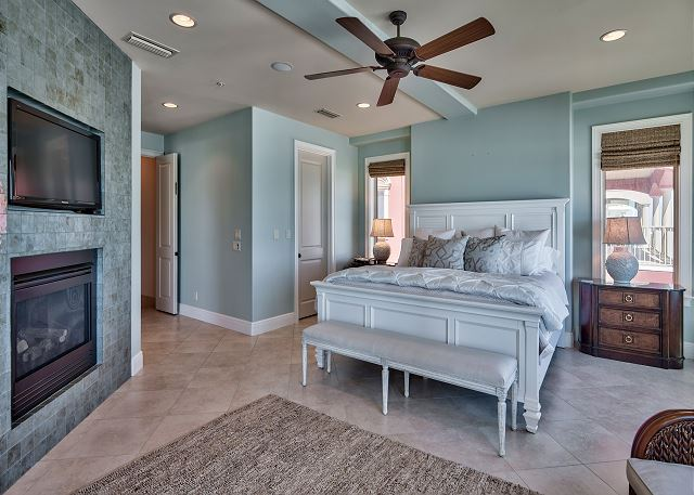 Second Floor Master Suite on the Gulf!