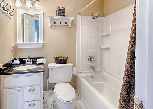 Full Bath with Tub/Shower and Updated Features