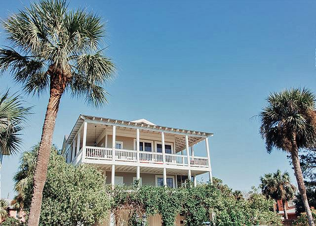 Welcome to Vitamin Sea Cottage!  ****Click on the Media Tab for this property to view a great interactive floor plan and photo file!****