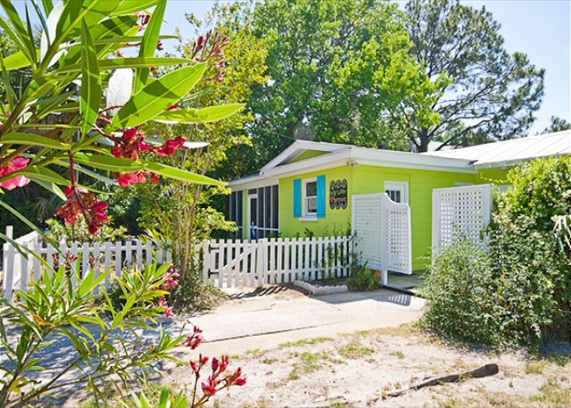 Welcome to Key Lime Parrot Cottage!  It's like a calypso for the soul!   ****Click on the Media Tab for this property to view a great interactive floor plan and photo file!****