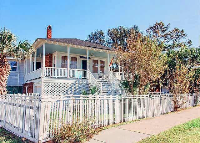 Welcome To Sea Stars Cottage Circa 1932 One Short Block The Beach And You