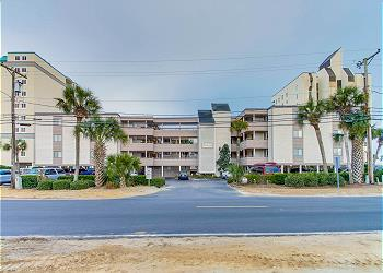 Seascape 308 - Oceanfront - Crescent Beach Section, a Vacation Rental in Myrtle Beach
