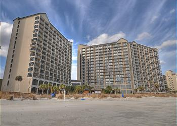 Beach Cove 1615 - Oceanfront - Windy Hill Section, a Vacation Rental in Myrtle Beach