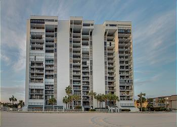 Brigadune 12E - Oceanfront - Arcadian Shores Section, a Vacation Rental in Myrtle Beach