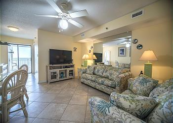 San-A-Bel 212 - Oceanfront - Crescent Beach Section, a Vacation Rental in Myrtle Beach