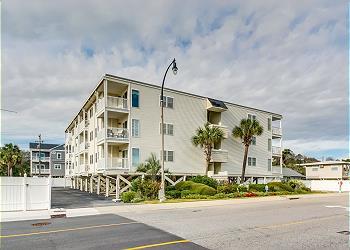 Ocean Pier II 320 - 2nd Row - Windy Hill Section, a Vacation Rental in Myrtle Beach