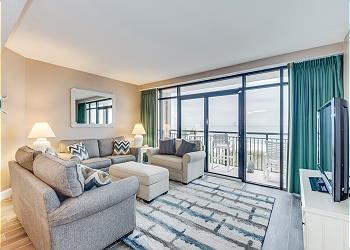 Beach Cove 201 - Oceanfront- Windy Hill Section, a Vacation Rental in Myrtle Beach