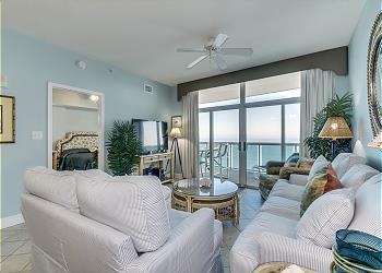 Crescent Keyes PH16 - Oceanfront - Crescent Beach Section, a Vacation Rental in Myrtle Beach