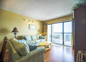 Crescent Towers II 707 - Oceanfront - Crescent Beach Section, a Vacation Rental in Myrtle Beach