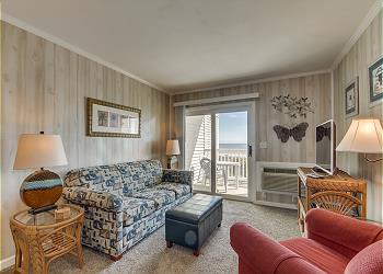 Ocean Pier III 127 - Oceanfront - Windy Hill Section, a Vacation Rental in Myrtle Beach