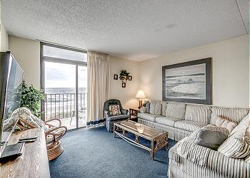 Ocean Towers Beach Club 401 - Oceanfront - Windy Hill Section, a Vacation Rental in Myrtle Beach