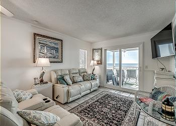 WindyShores I 201 - Oceanfront - Windy Hill Section, a Vacation Rental in Myrtle Beach
