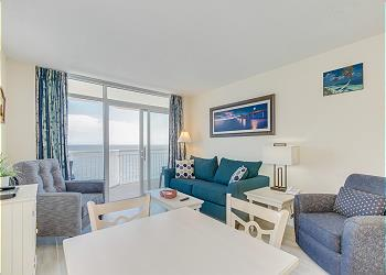 Bay Watch Resort S 1932-Oceanfront-Crescent Beach, a Vacation Rental in Myrtle Beach