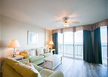 Ashworth 1307 - Ocean Front-Ocean Drive Section, a Vacation Rental in Myrtle Beach