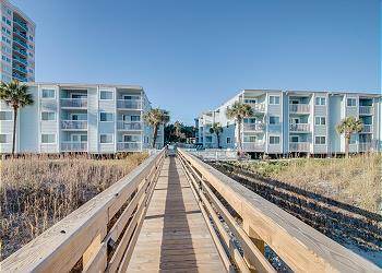 Ocean Garden Villas L1-Oceanfront-Crescent Beach Section, a Vacation Rental in Myrtle Beach
