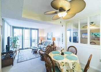 Crescent Sands B2 - Oceanfront - Crescent Beach Section, a Vacation Rental in Myrtle Beach