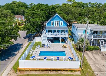 Blue Moon 304 - 3rd Row - Ocean Drive Section, a Vacation Rental in Myrtle Beach