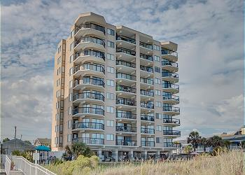 Crescent Towers II 508 - Oceanfront - Crescent Beach, a Vacation Rental in Myrtle Beach