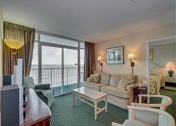 SeaWatch Resort 805 Ocean Front-Shore Drive Section, a Vacation Rental in Myrtle Beach