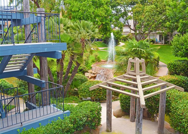Carlsbad Furnished Condo-Close to Beaches & Village!