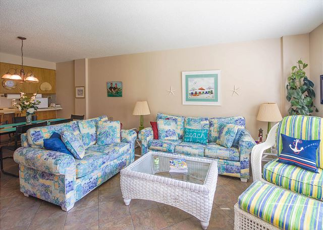 Summer Winds 116 | Perfect pool & beach access from this unit! Enjoy an extra 10% OFF now.
