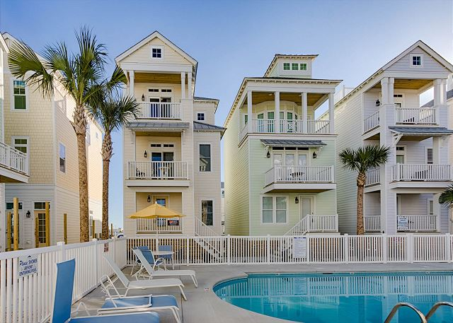 Lookouts #7 | **Perfect Location** 3BR/3BA Beach House (2-Night Min)